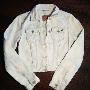 Hollister Light Wash Cropped Denim Jacket